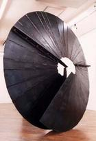 アート,作品,現代美術,鉄,写真:南北緯0度_鉄のアート作品